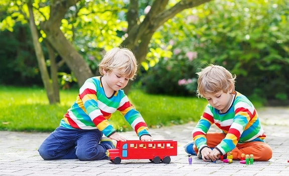 13 Best Toys for Twin Toddlers That Revolutionize Playtime