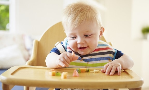 Baby Led Weaning Eating Small Solid Foods